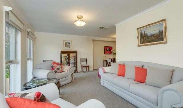 23 Joseph Banks Crescent Endeavour Hills - 5